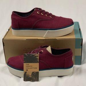 NIB Toms Platform Sneakers